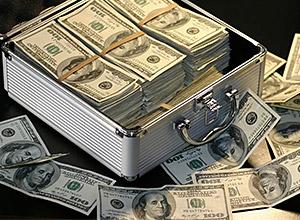El dinero sólo se gana en la lotería