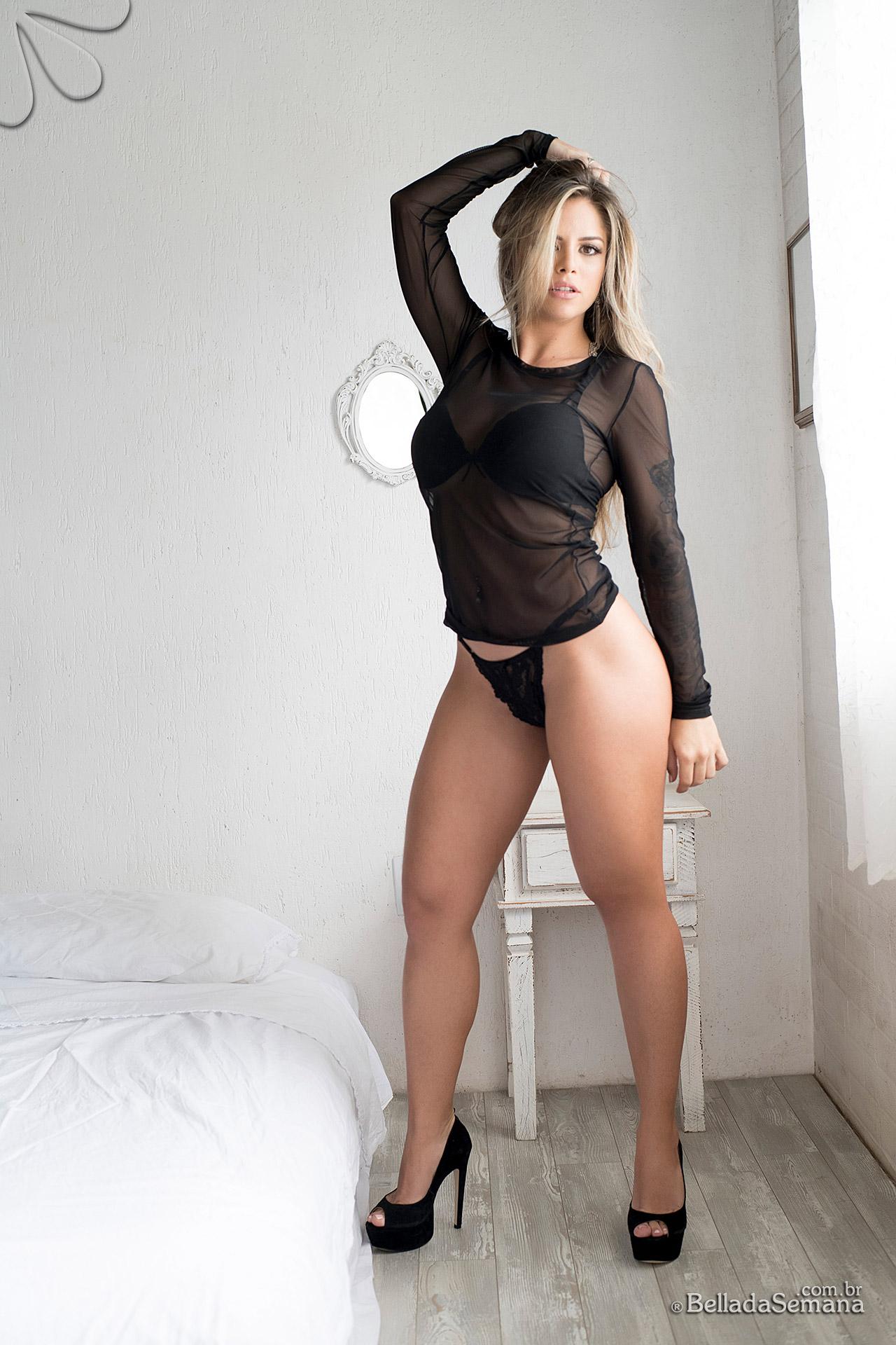 stephanie mello