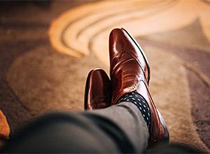 Cómo combinar calcetines, zapatos y pantalones