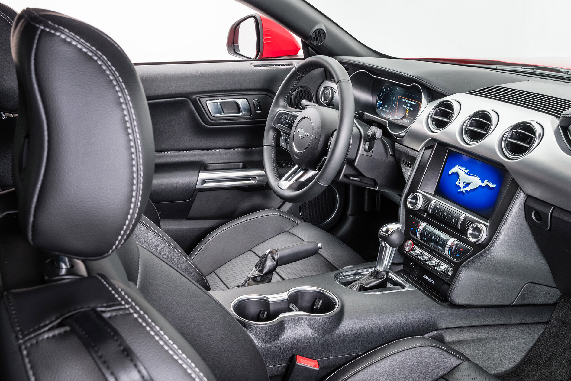 ford-mustang-2019-interior